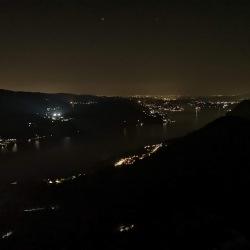 lago d'orta sotto le stelle